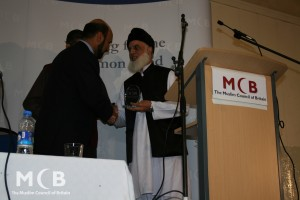 2011 - Sher Azam receiving award